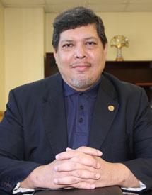 Mgter. Víctor López
